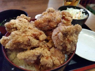 ひなたかなたランチ唐揚げ丼の写真